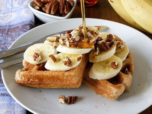 Waffles With Bananas And Nuts