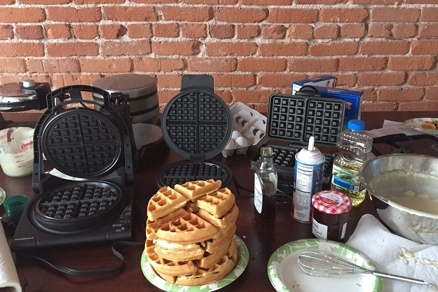 The Best Waffle Maker For Your Money: A Review Of Waffle Makers