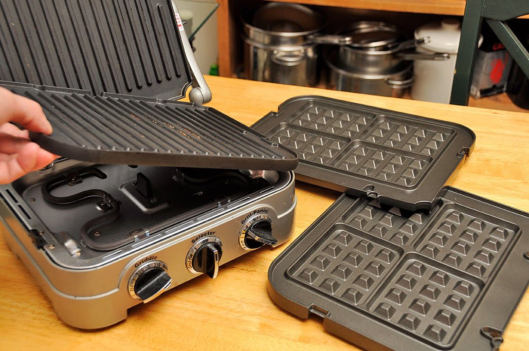 Removable Plates waffle maker